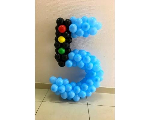 """Фигура из шаров """"Пять"""""""